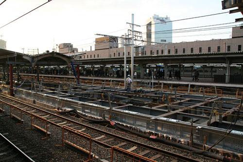 大阪駅工事中