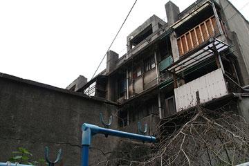 下寺住宅(軍艦アパート)3