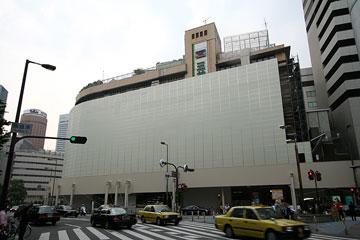 阪急ビル・東通商店側