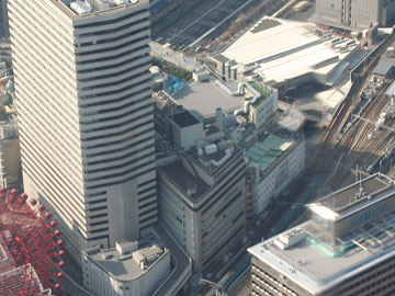 上空から見た阪急百貨店