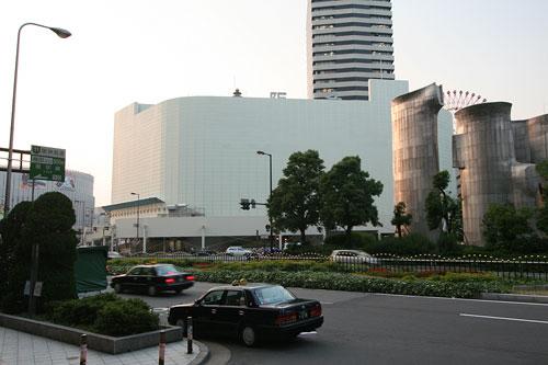 阪急百貨店新阪急ビル前から