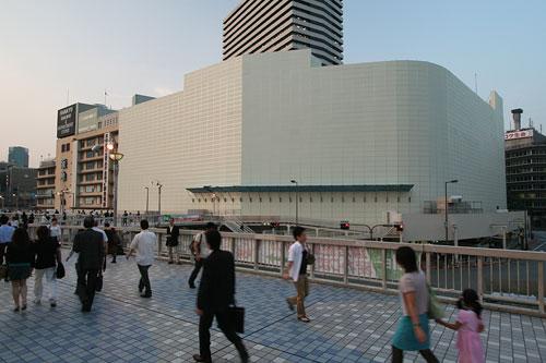阪急百貨店再び歩道橋から