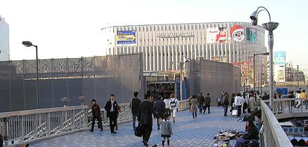 JR駅ロータリー上