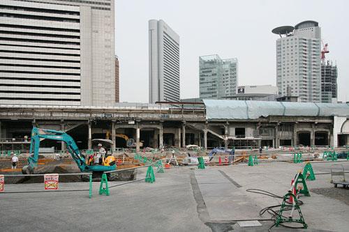 大阪駅解体中4