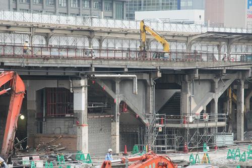 大阪駅解体中6