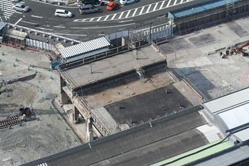 旧プラットホームはほぼ解体終了