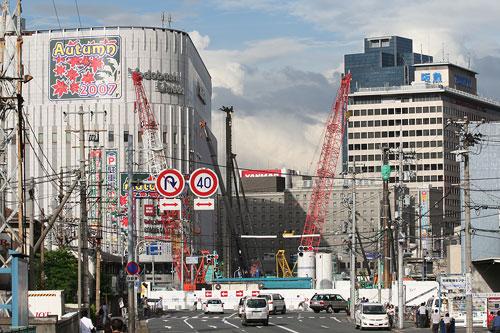 大阪駅北1