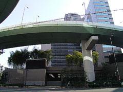 西梅田の公園1
