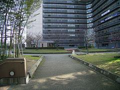 西梅田の公園3