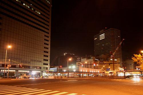 真夜中の大阪駅前1