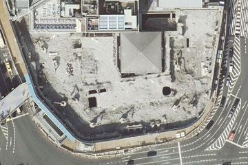 解体中の阪急百貨店