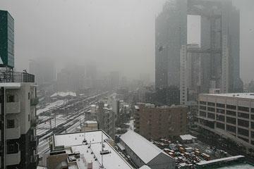 雪の日スカイビル