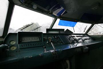 新幹線運転席