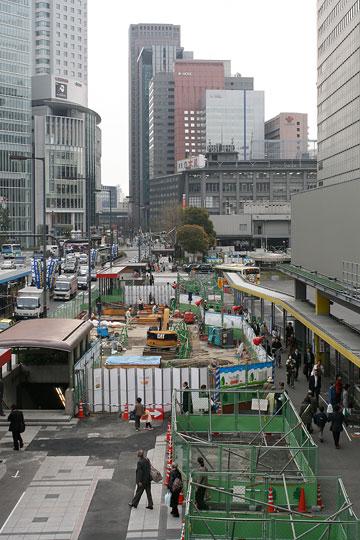 大阪駅南側たて