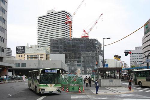 大阪駅前交差点より