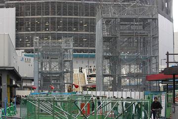 大阪駅南のヤグラ?