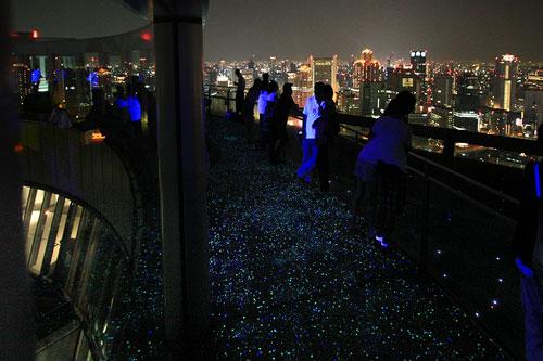 梅田スカイビル空中庭園1
