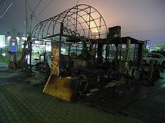 スカイビル前の屋台が全焼1