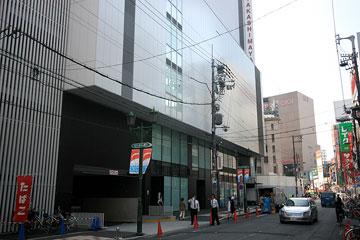 難波駅東2