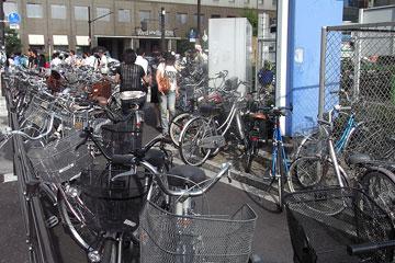 ヨドバシ横自転車2