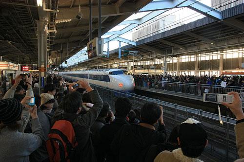 新大阪駅0系新幹線ラスト定期運転1