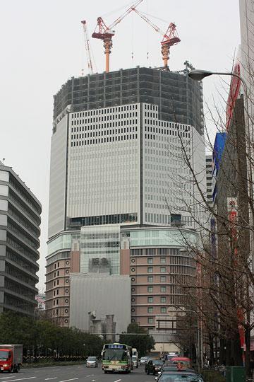 梅田阪急ビル 南から1