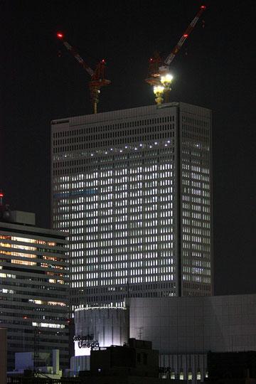 梅田阪急ビル中津陸橋から1
