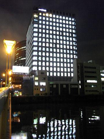 土佐堀ダイビル全室点灯1