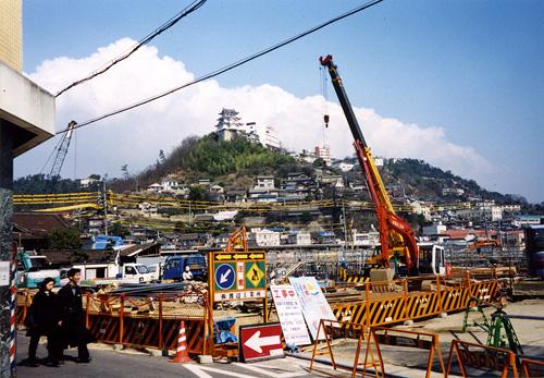 再開発工事中のJR尾道駅前
