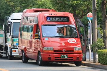 赤バス(オムニノーバ・マルチライダー)2
