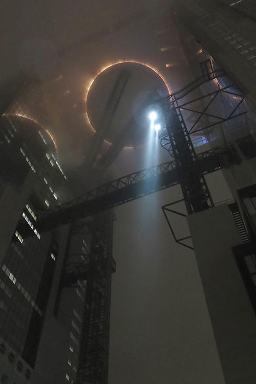 霧の梅田スカイビル2015年4月
