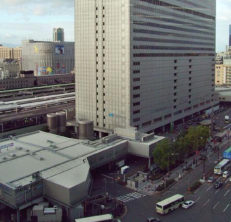 2005(平成17)年 国鉄大阪駅前
