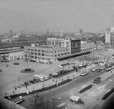 1958(昭和33)年 JR大阪駅前