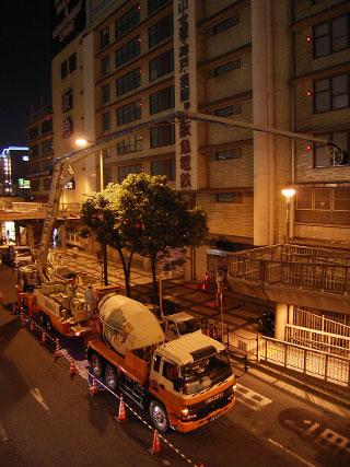 11月4日深夜の阪急百貨店c
