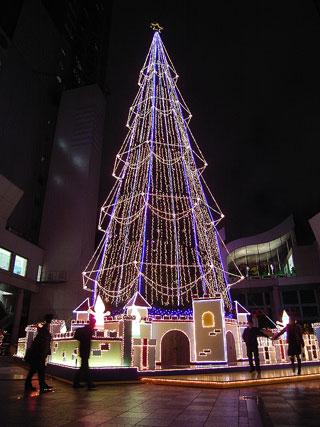 スカイビルのクリスマスツリー1